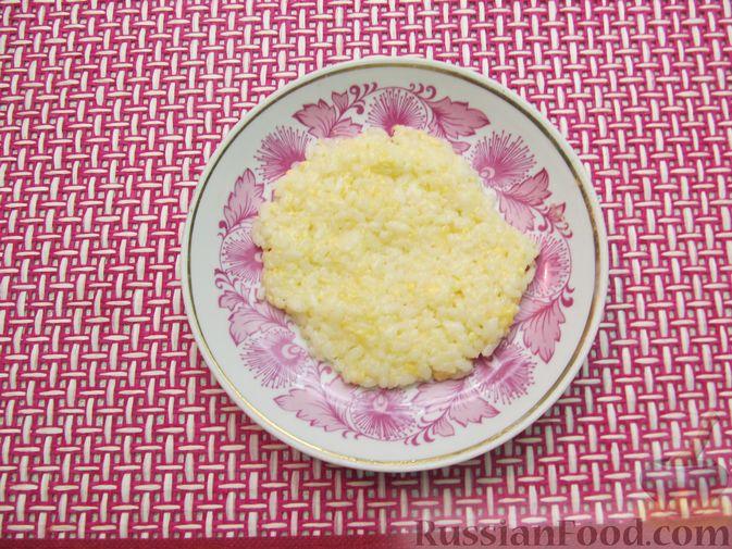 Фото приготовления рецепта: Рисовые крокеты с сыром (в духовке) - шаг №8