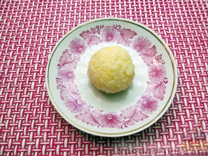 Фото приготовления рецепта: Рисовые крокеты с сыром (в духовке) - шаг №10