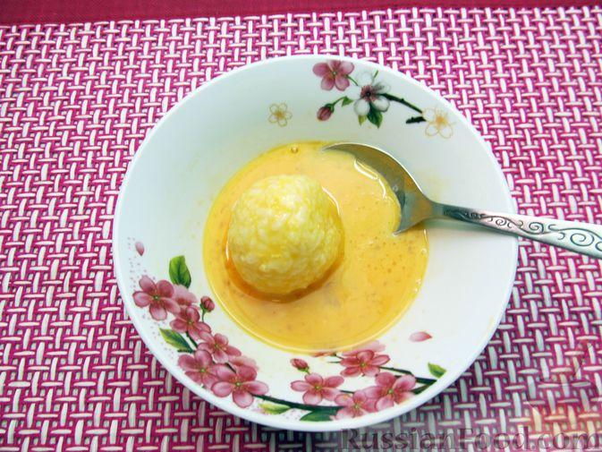 Фото приготовления рецепта: Рисовые крокеты с сыром (в духовке) - шаг №13