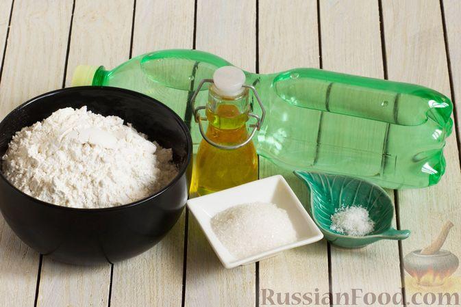 Фото приготовления рецепта: Тонкие блины на газировке (без молока и яиц) - шаг №1