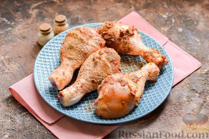 Фото приготовления рецепта: Пикантные куриные ножки, запечённые с кориандром - шаг №6