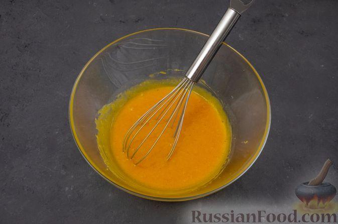 Фото приготовления рецепта: Тыквенные блонди с шоколадом, орехами и корицей - шаг №7