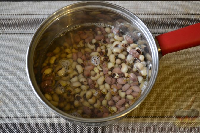 Фото приготовления рецепта: Фасолевый суп с грецкими орехами - шаг №9