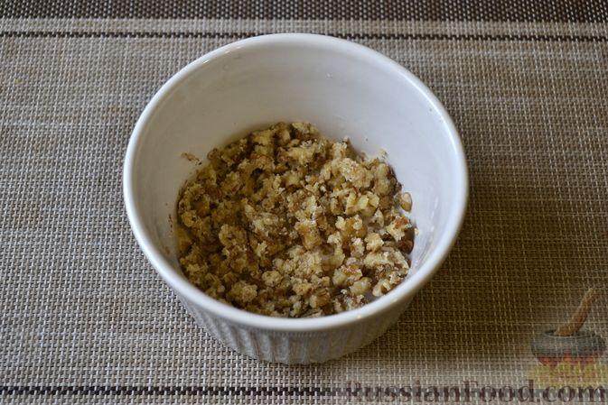 Фото приготовления рецепта: Фасолевый суп с грецкими орехами - шаг №10