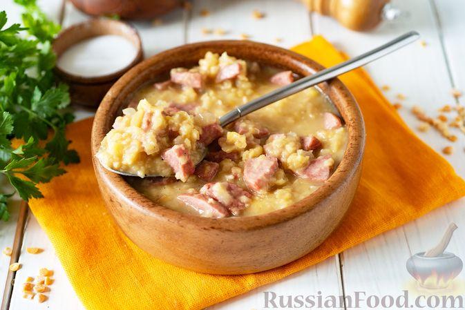 Фото приготовления рецепта: Гороховая каша с колбасой - шаг №11