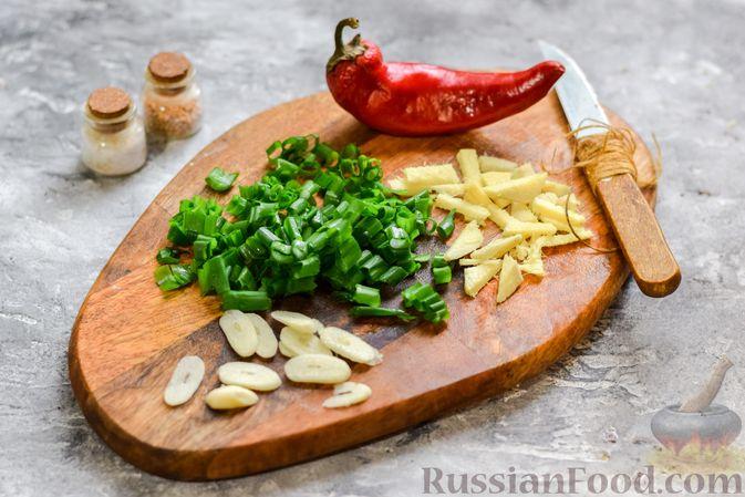 Фото приготовления рецепта: Фунчоза с куриным фаршем - шаг №2