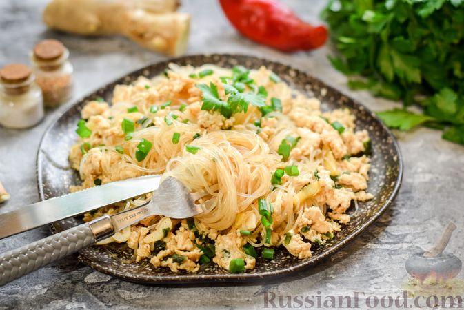 Фото приготовления рецепта: Фунчоза с куриным фаршем - шаг №10