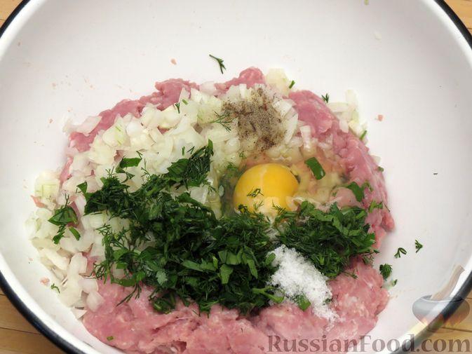 Фото приготовления рецепта: Куриные зразы с консервированной фасолью - шаг №4