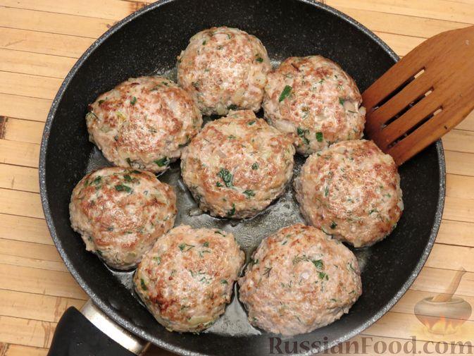 Фото приготовления рецепта: Куриные зразы с консервированной фасолью - шаг №6