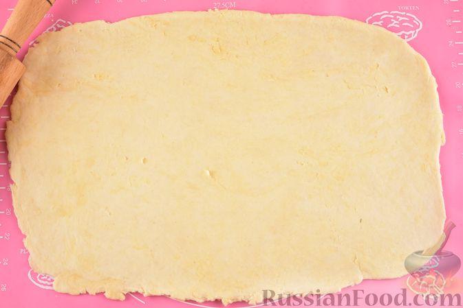 Фото приготовления рецепта: Гата с ореховой начинкой - шаг №12