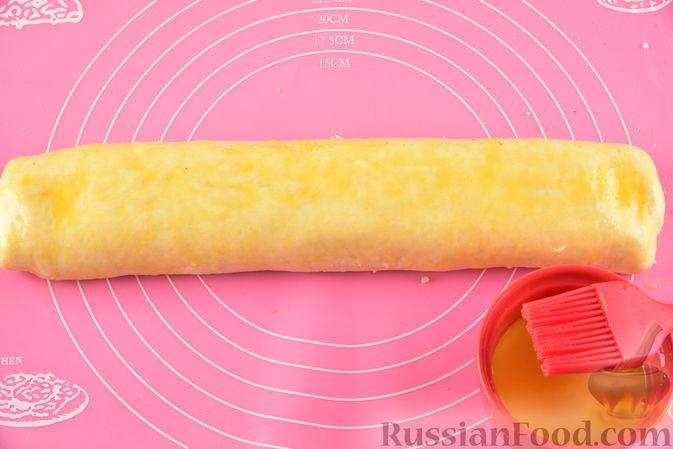 Фото приготовления рецепта: Гата с ореховой начинкой - шаг №16