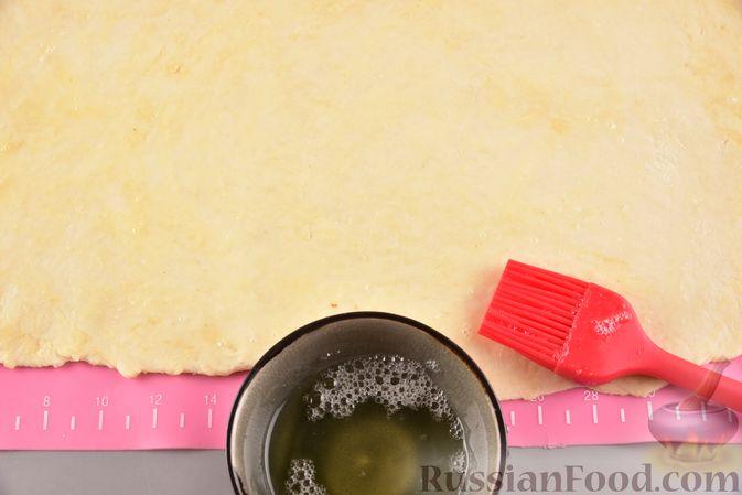 Фото приготовления рецепта: Гата с ореховой начинкой - шаг №13