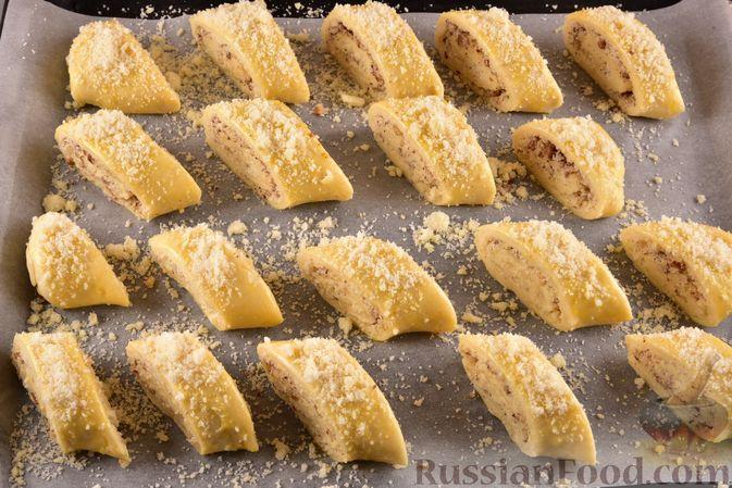 Фото приготовления рецепта: Гата с ореховой начинкой - шаг №18