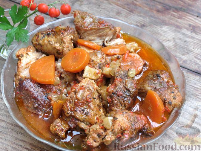 Фото приготовления рецепта: Рагу из свинины с морковью, сладким перцем, сельдереем и белым вином - шаг №16
