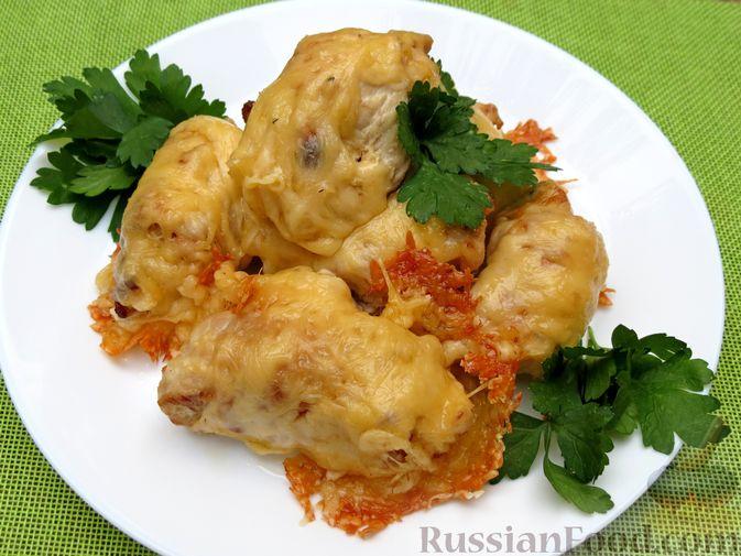Фото приготовления рецепта: Куриные рулетики с курагой, запечённые под сыром - шаг №9