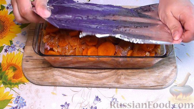 Фото приготовления рецепта: Индюшиные шейки, запечённые в томатном соусе - шаг №6