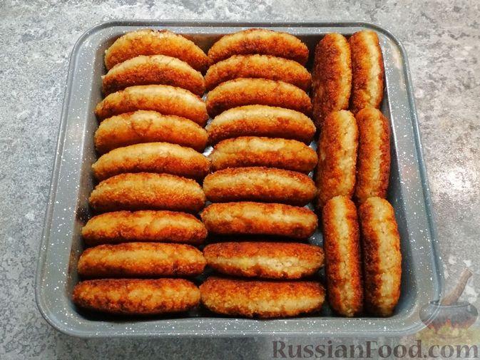 Фото приготовления рецепта: Котлеты из филе трески - шаг №7