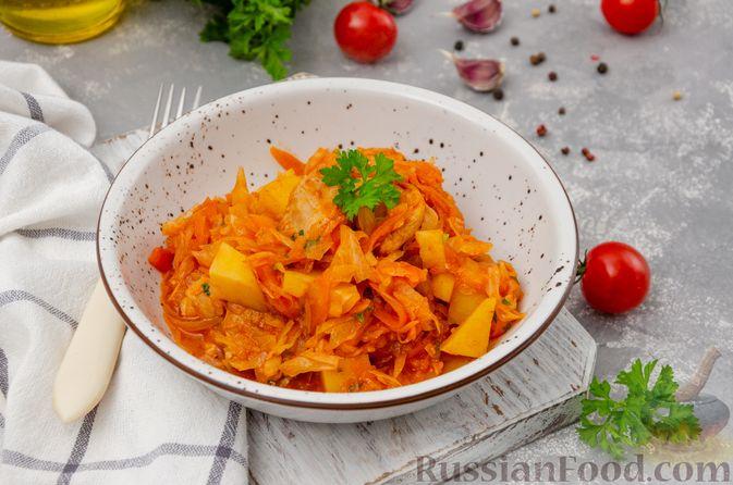 Фото к рецепту: Капуста, тушенная с курицей и картошкой