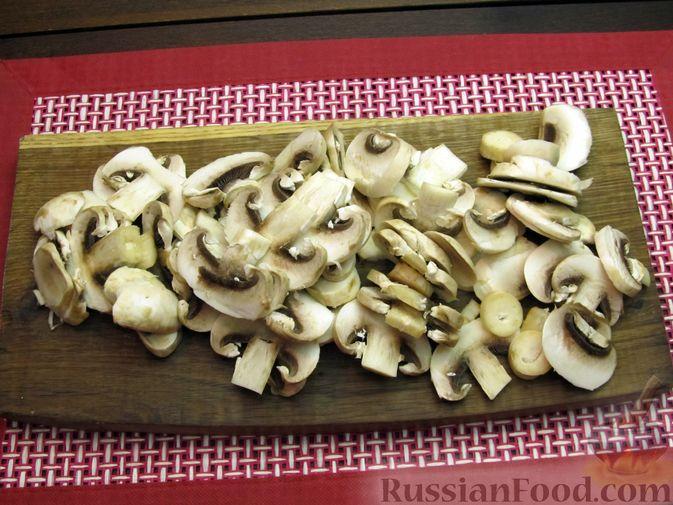Фото приготовления рецепта: Булгур со сливочно-грибным соусом - шаг №5
