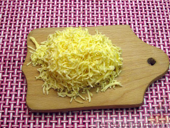 Фото приготовления рецепта: Булгур со сливочно-грибным соусом - шаг №6