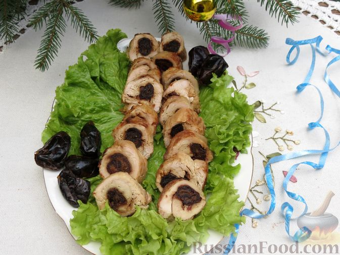 Фото приготовления рецепта: Куриные рулетики с финиками - шаг №9