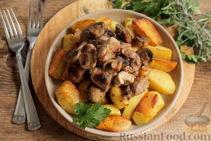 Фото приготовления рецепта: Запечённая свинина с картофелем и грибами (в рукаве) - шаг №9