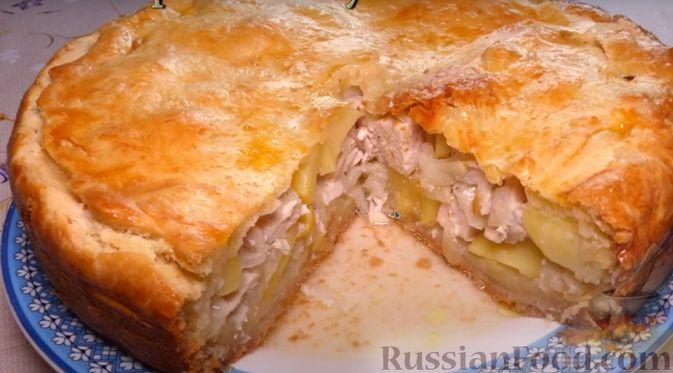 Фото приготовления рецепта: Курник с куриным филе и картошкой - шаг №9