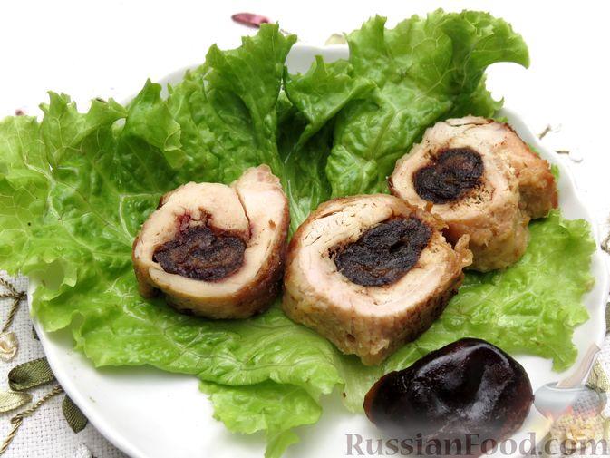 Фото приготовления рецепта: Куриные рулетики с финиками - шаг №8