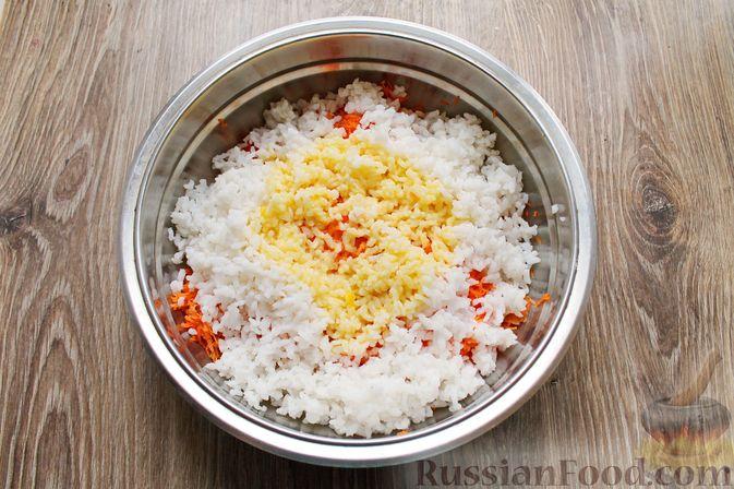 Фото приготовления рецепта: Рисовая запеканка с морковью - шаг №6