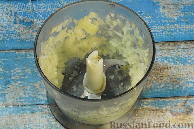 Фото приготовления рецепта: Солянка с копчёностями и куриными фрикадельками - шаг №2