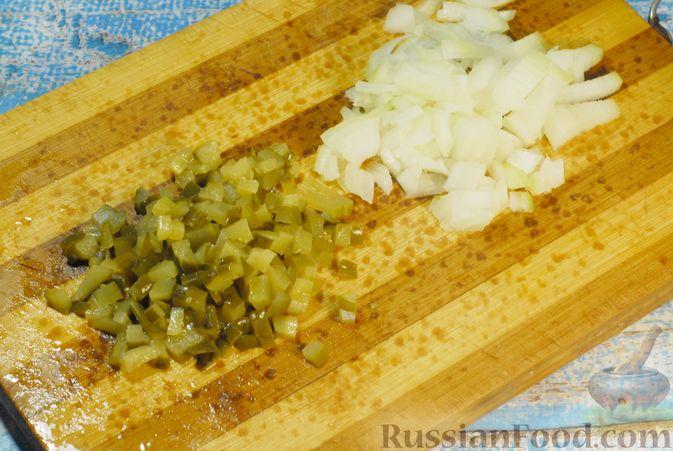 Фото приготовления рецепта: Солянка с копчёностями и куриными фрикадельками - шаг №7