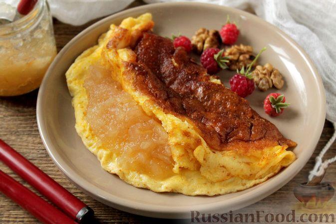 Фото к рецепту: Творожный омлет с начинкой из варенья (в духовке)