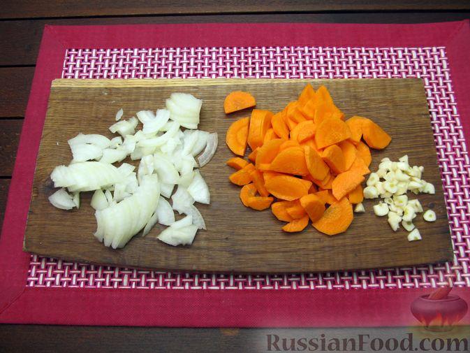 Фото приготовления рецепта: Картофельный суп-пюре с сыром, курицей и свежими помидорами - шаг №3
