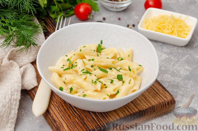 Фото к рецепту: Макароны с сыром (в микроволновке)