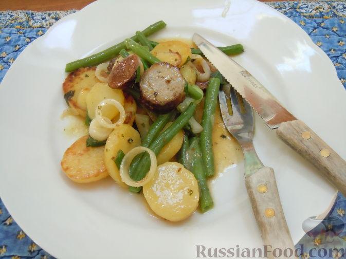 Рецепт Картофельный салат с жареными колбасками
