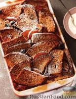 Фото к рецепту: Хлебная запеканка со сливами