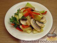 Фото к рецепту: Маринованный салат из овощей и шампиньонов