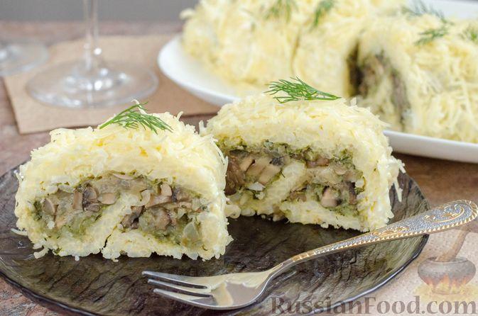 Фото к рецепту: Рисовый рулет с шампиньонами, стручковой фасолью и сыром