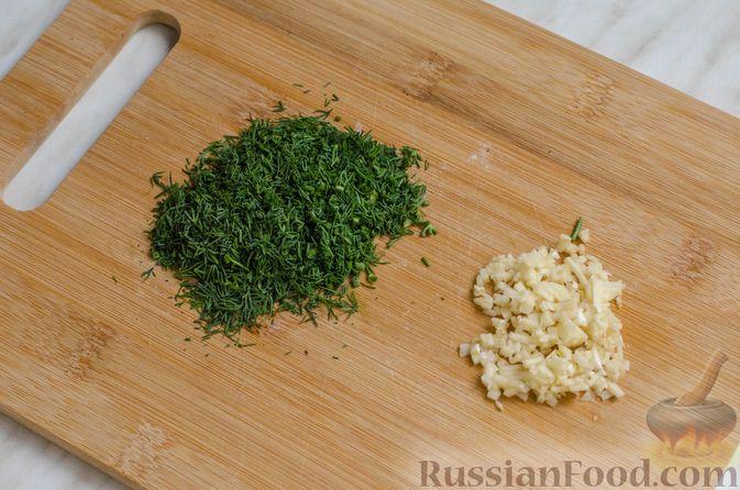 Фото приготовления рецепта: Рисовый рулет с шампиньонами, стручковой фасолью и сыром - шаг №4