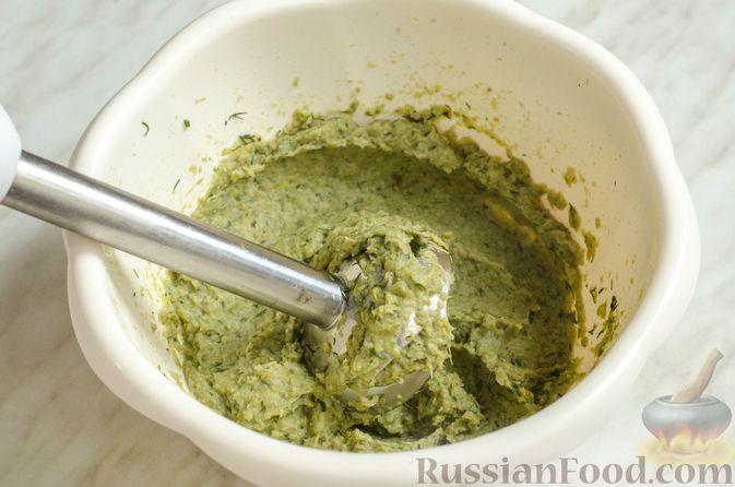 Фото приготовления рецепта: Рисовый рулет с шампиньонами, стручковой фасолью и сыром - шаг №12