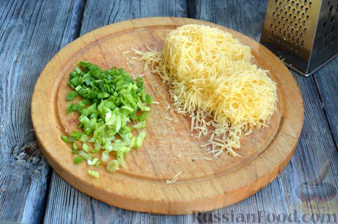 Фото приготовления рецепта: Картофель, фаршированный сыром, сметаной и беконом - шаг №8