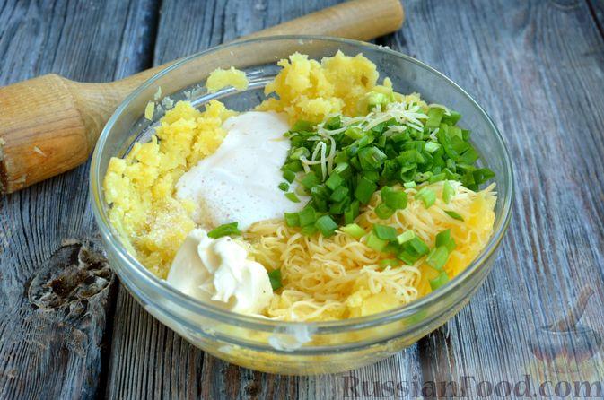 Фото приготовления рецепта: Картофель, фаршированный сыром, сметаной и беконом - шаг №9