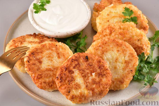 Фото к рецепту: Рисовые оладьи с сыром