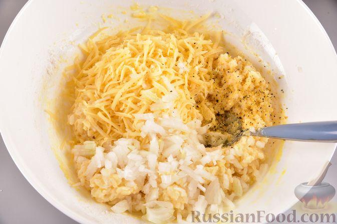 Фото приготовления рецепта: Рисовые оладьи с сыром - шаг №6
