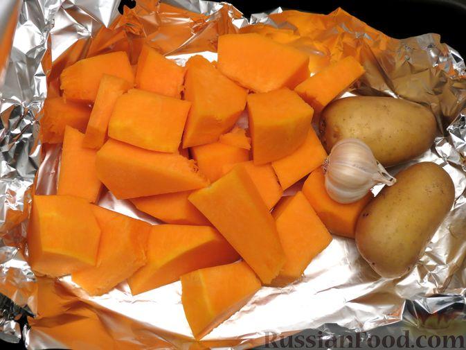Фото приготовления рецепта: Котлеты из тыквы с картофелем - шаг №7