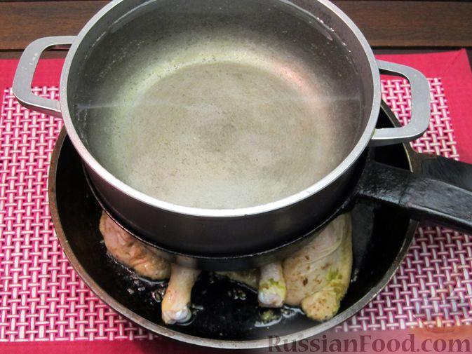 Фото приготовления рецепта: Цыплёнок табака (тапака) с лаймом - шаг №12