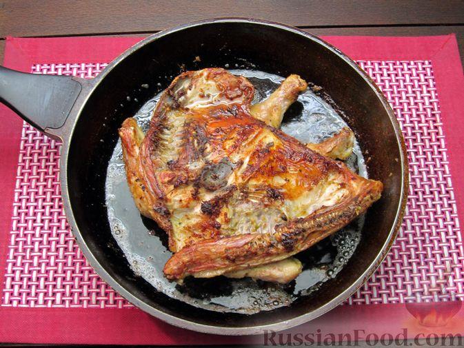 Фото приготовления рецепта: Цыплёнок табака (тапака) с лаймом - шаг №13