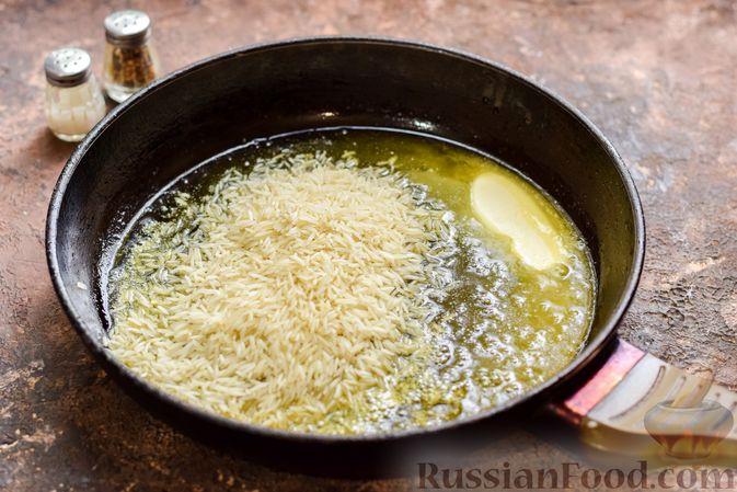 Фото приготовления рецепта: Запеканка из квашеной капусты, мясного фарша и риса - шаг №2