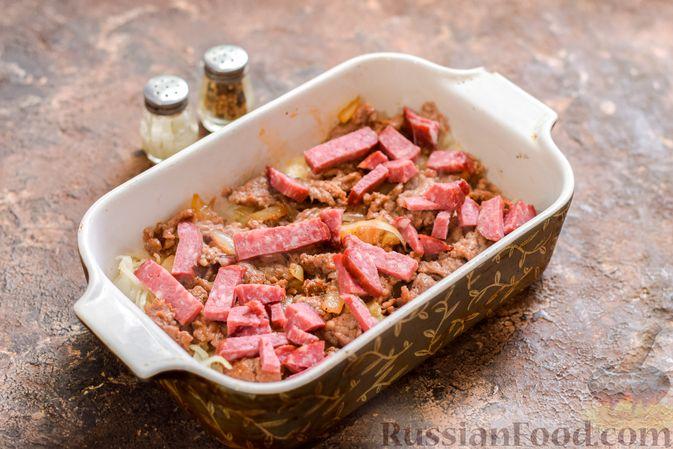 Фото приготовления рецепта: Запеканка из квашеной капусты, мясного фарша и риса - шаг №11