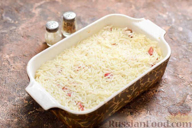 Фото приготовления рецепта: Запеканка из квашеной капусты, мясного фарша и риса - шаг №12